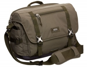 trust medium laptop messenger bag